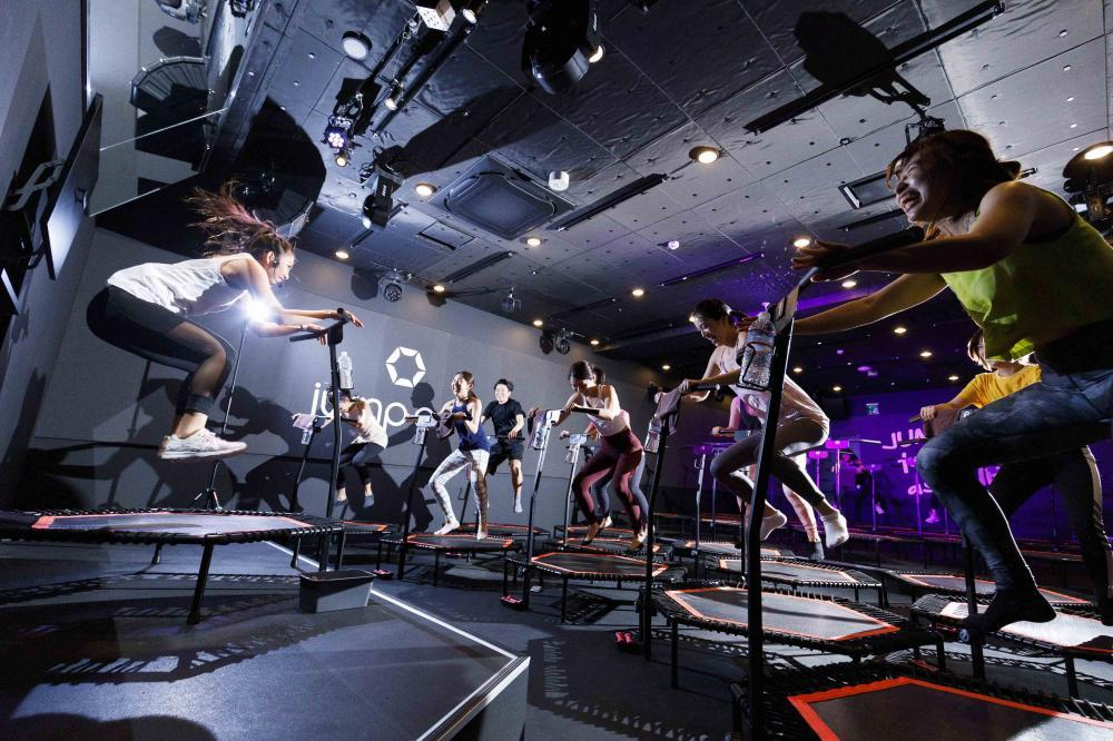 【 jump one トランポリンインストラクター求人】三宮(Sannomiya)