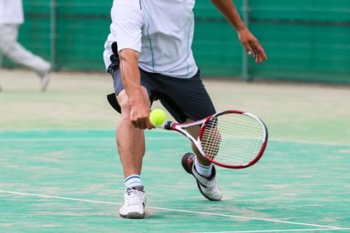 ビジネススキルも向上!インドアテニススクールのコーチ